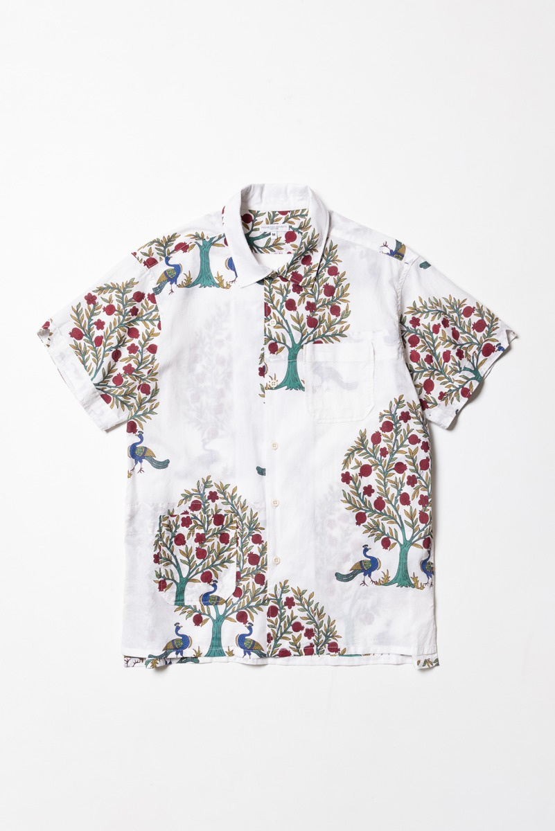"ENGINEERED GARMENTS Camp Shirt ""Natural Cotton Lawn Peacock Print"""