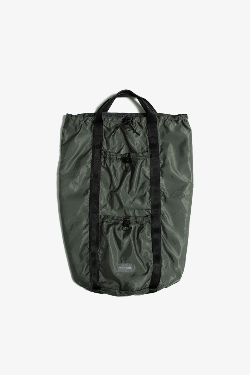 "UNAFFECTED Logo Label Sling Bag ""Sage Green"""