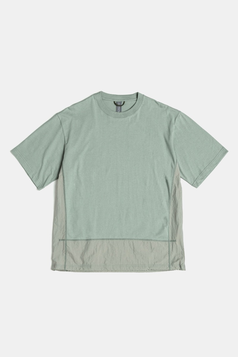 "UNAFFETED Contrast Panel T-Shirt ""Aqua Smoke"""