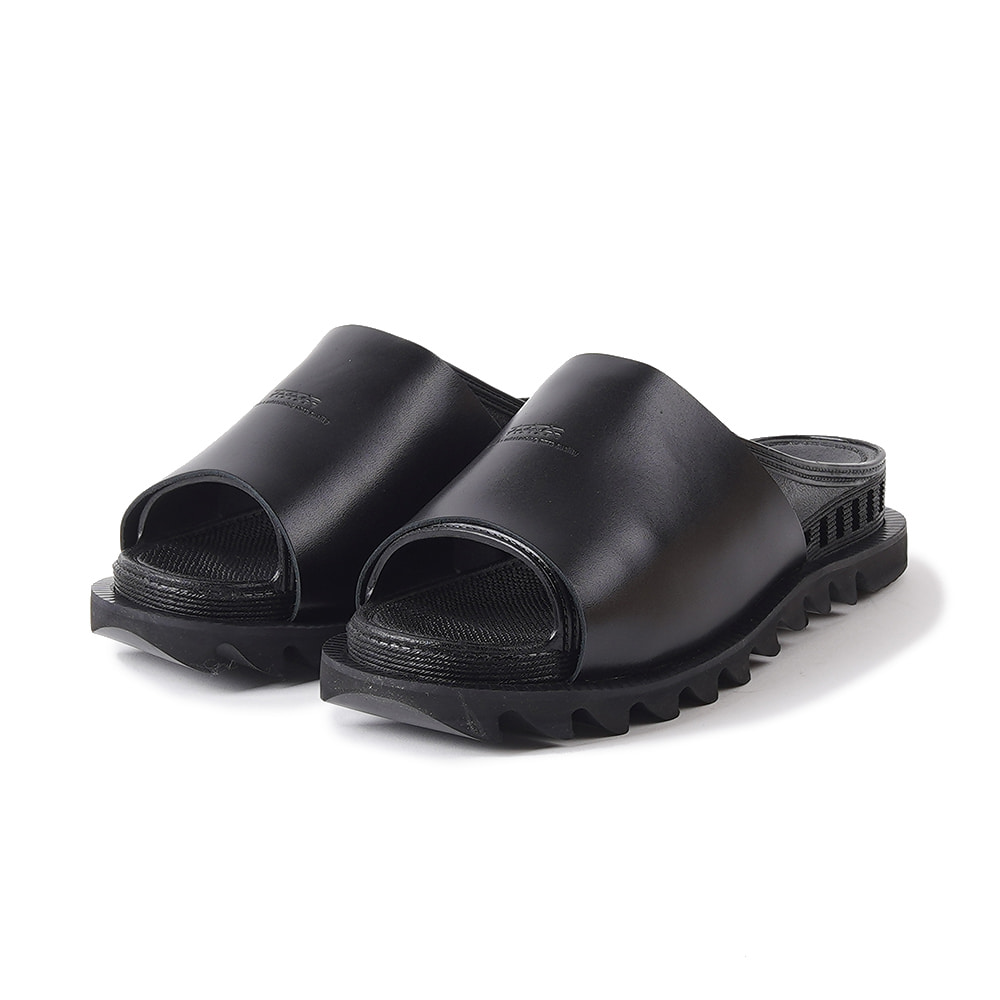 "BENCH Bensan-D Covered Leather Shark Sole ""Black"""