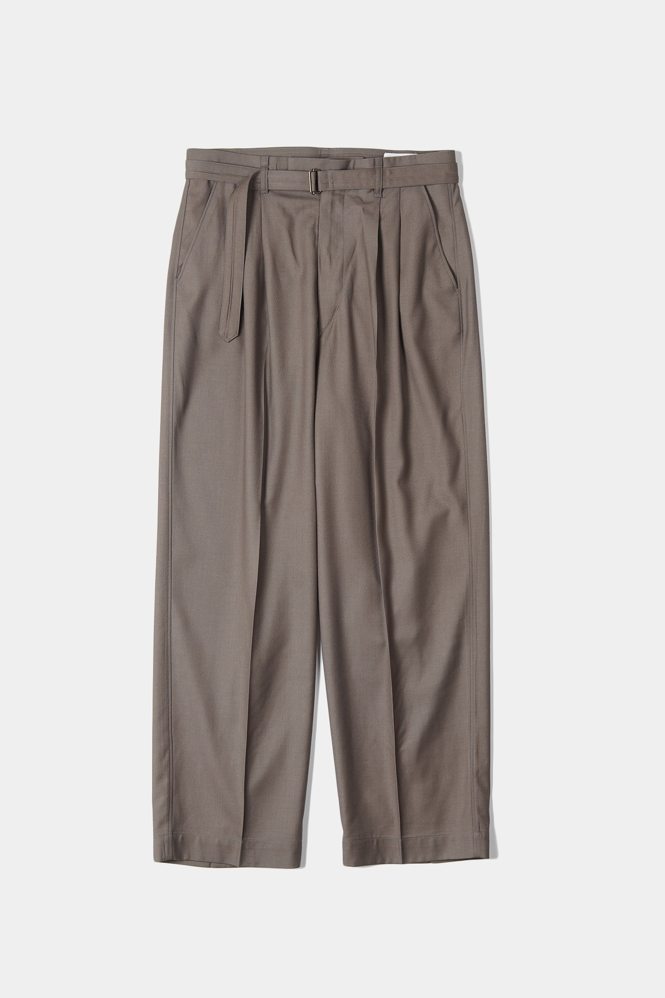 "OOPARTS Loose-fit belted pants ""Latte"""